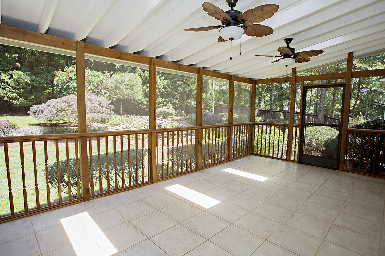 real-estate-screened-porch-property-photography